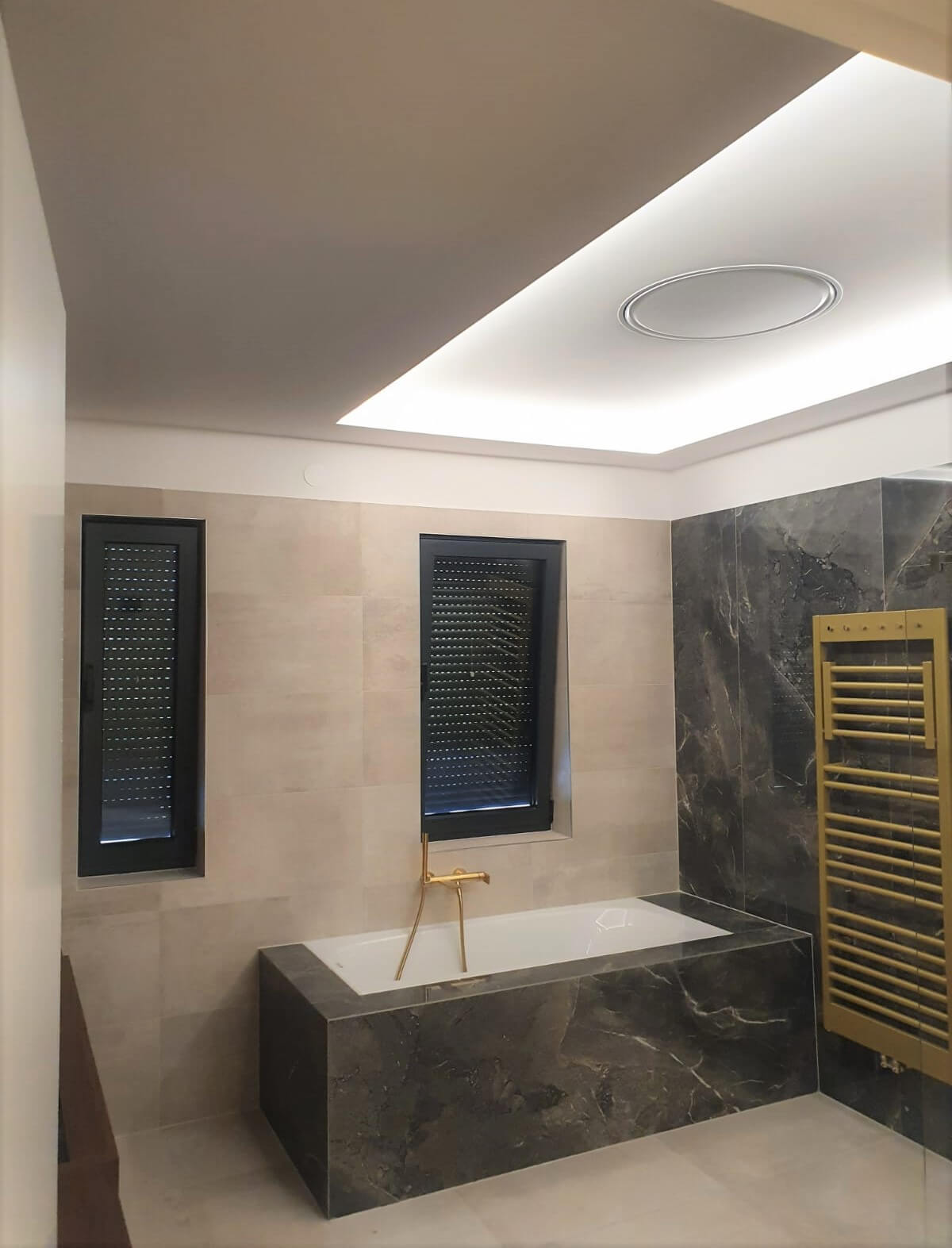 postavljanje kupaonskih pločica